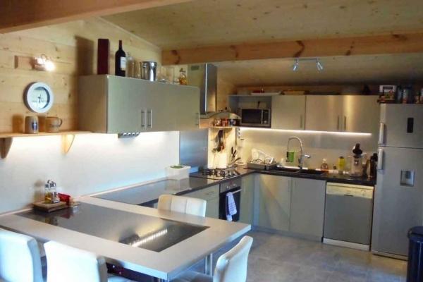 domaine-du-lac-de-sames-design-residence-en-bois-66F3FA873-3ECC-A0A4-B4C3-1B2B91926669.jpg