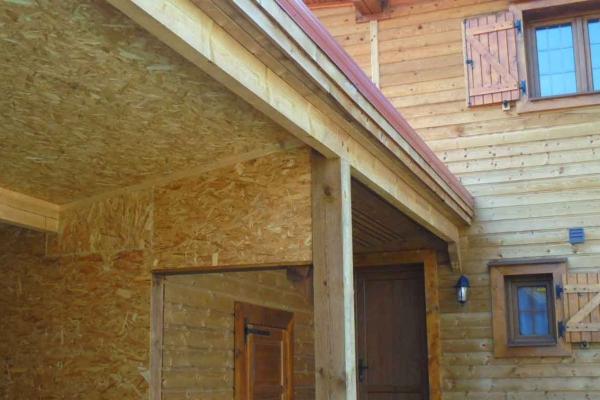 domaine-du-lac-de-sames-design-exterieur-residence-en-bois-162DA628FA-273B-9CDB-EC8D-37838EFA0170.jpg