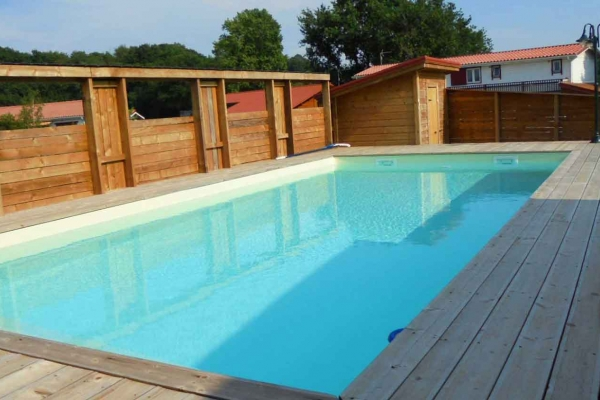 domaine-du-lac-de-sames-design-exterieur-residence-en-bois-2266CB47F0-D747-5F66-7395-6095AE64CC01.jpg