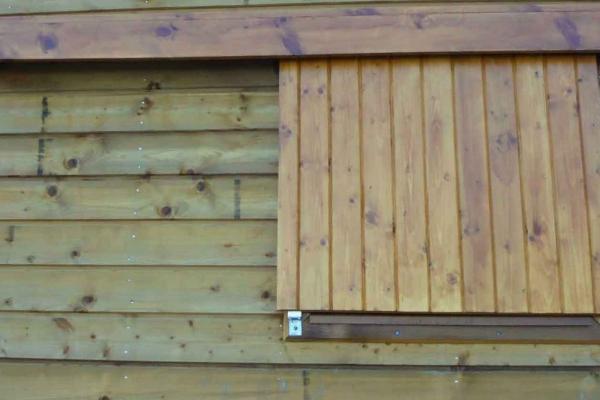 domaine-du-lac-de-sames-design-exterieur-residence-en-bois-29B9D29F6F-51F9-C3FB-DF48-88A066872383.jpg